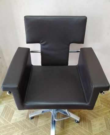 Парикмахерская кресло