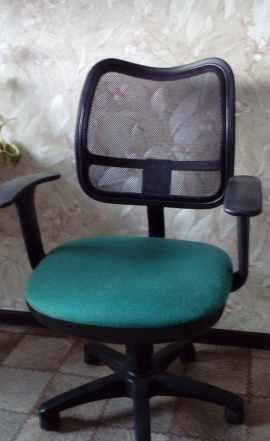 Продам офисные стулья