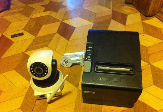 принтер чеков и камеру видеонаблюдения