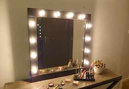 Гримерное зеркало стол стойка визажиста