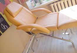 Педикюрное кресло ветрина