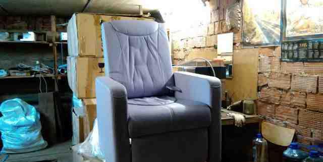 Кресло-кушетка для педикюра цвет сиреневый
