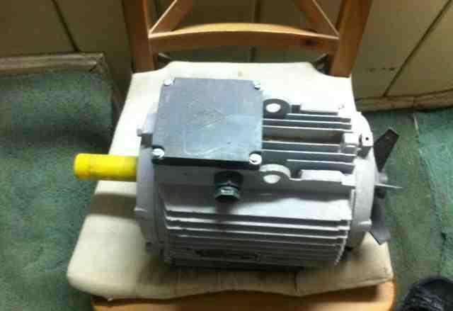 Электродвигатель аир 100 L, новый