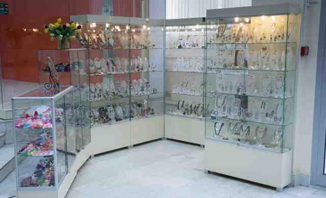 Торговое оборудование для парфюмерии, и косметики