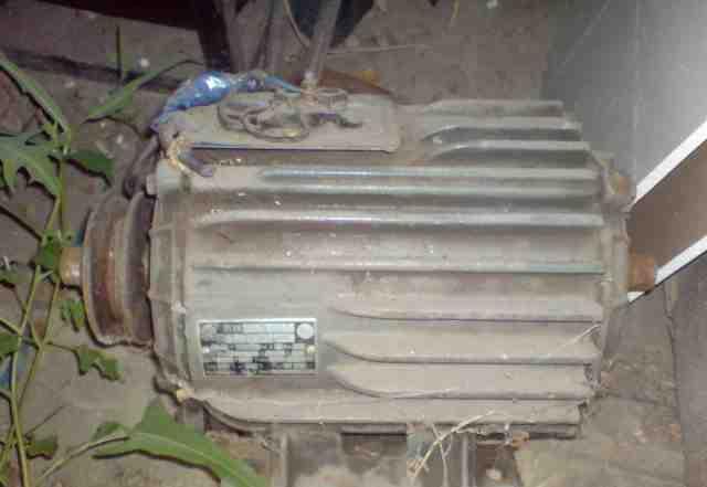 Двигатель трехфазный