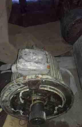 Эл. двигатель асинхронный флянцевый крановый