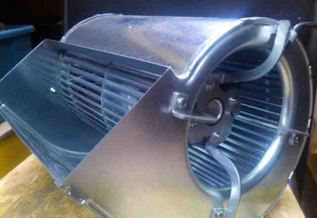 Центробежный вентилятор ebmpapst D4E160-FH12-05