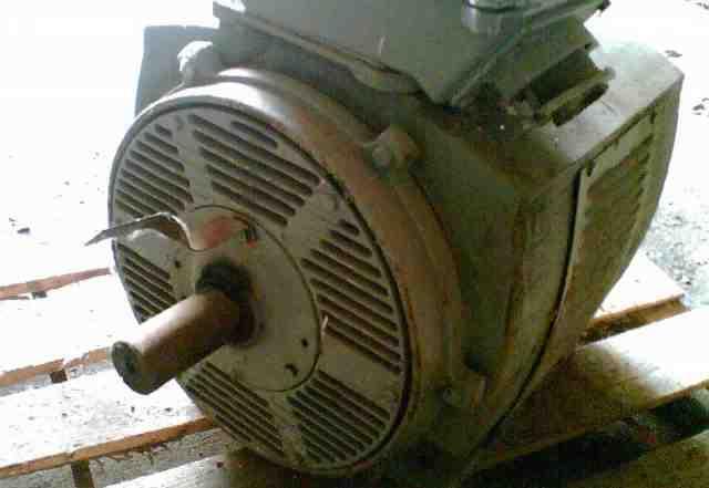 Электродвигатель 90 кВт 2930 об/мин