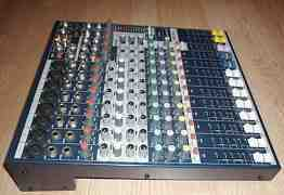 Пульт Soundcraft EFX8